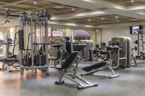 Moon Palace Gym